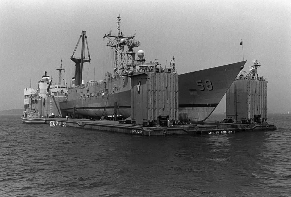 <i>Roberts</i>prepares to disembark.(PH2 Elliott/U.S. Navy)